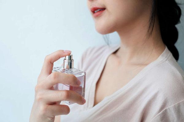 Nước hoa giữ được mùi thơm lâu hơn, dai hơn so với các loại nước hoa thông thường